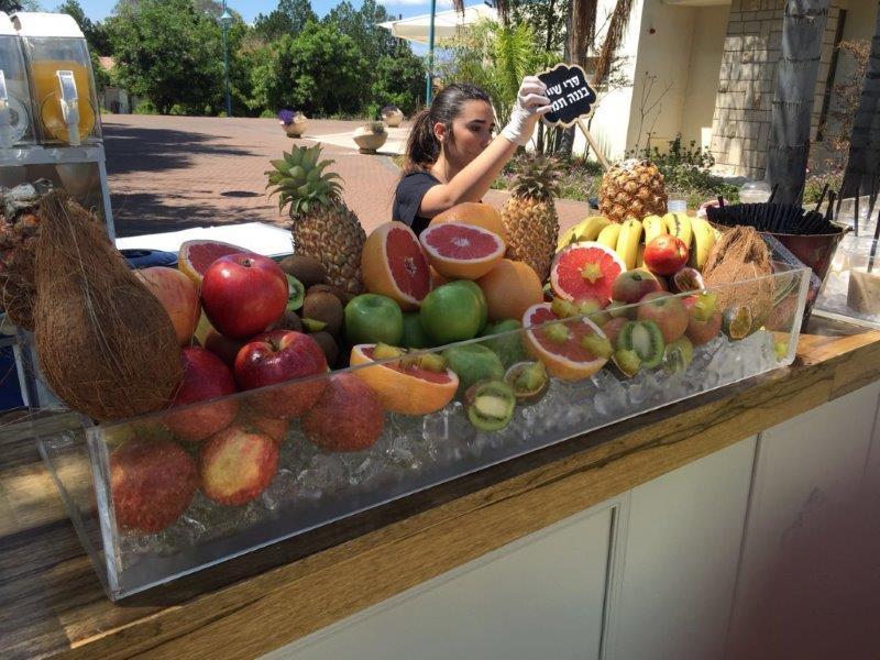 קונספט בר עם פירות
